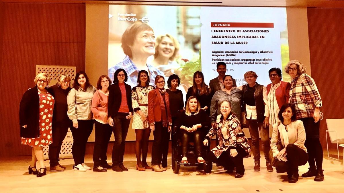 Foto de Familia I Encuentro Asociaciones Aragonesas implicadas en la Salud de la Mujer